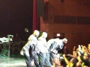 Temptations bowing